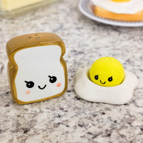 Egg and Toast Salt and Pepper Shakers - oddgifts.com