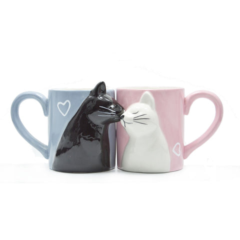 Kissing Cats in Love Mugs - oddgifts.com