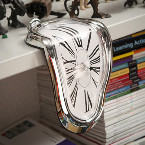 Melting Clock - OddGifts.com