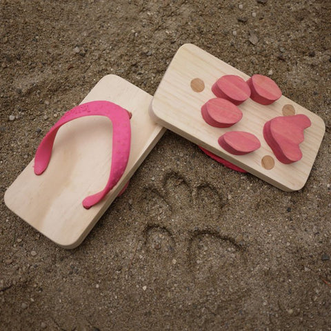 Kids Animal Footprint Sandals - OddGifts.com