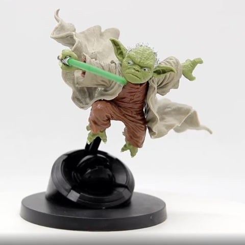 Jedi Master Yoda Fighting With Lightsaber Action Figure -oddgifts.com