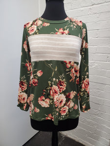 Floral Top w/Button detail