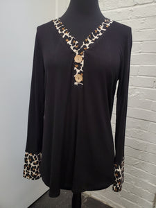 Black V-Neck w/Cheetah sleeves