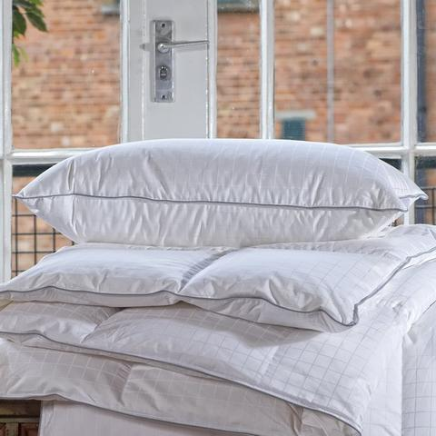 Best Overall Duvet 2019- Luxury Hungarian Goose Down and Feather Duvet