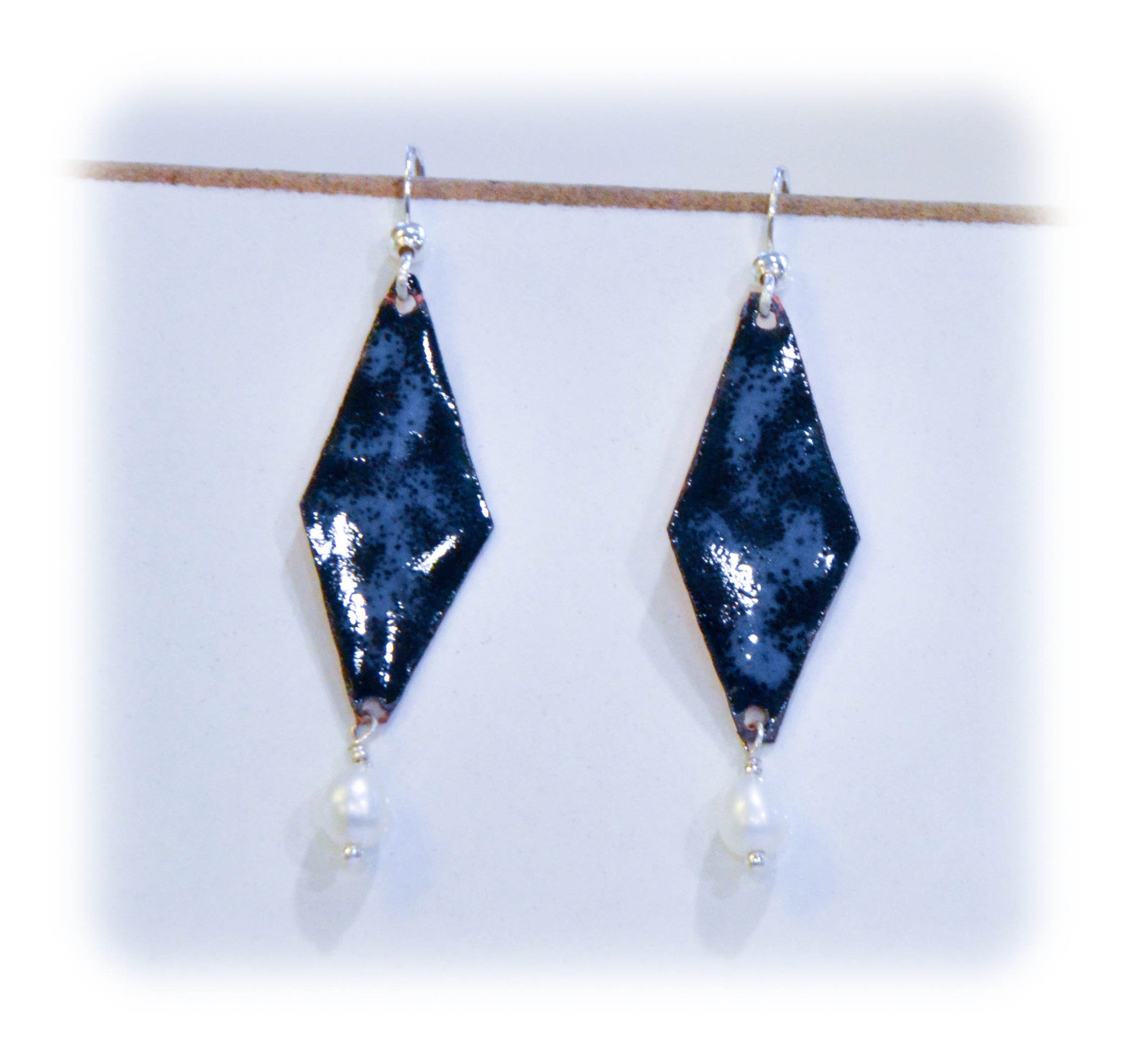 Diamond Shaped Blue Earring