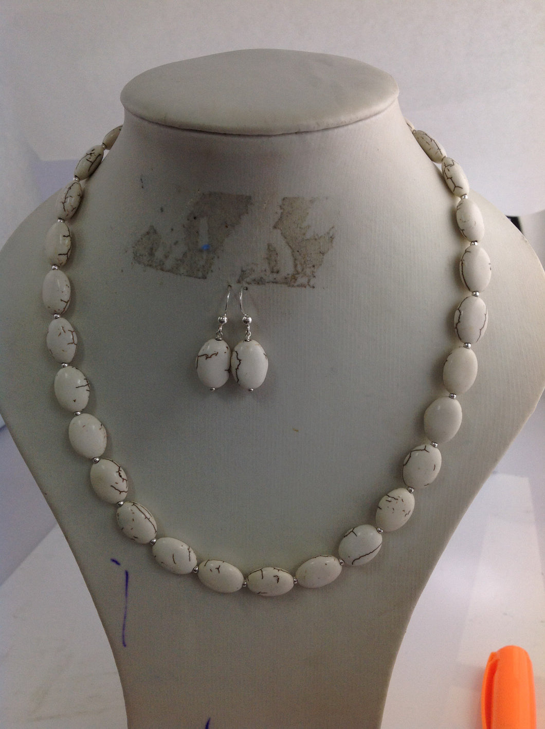 White Howlite and Silver Beads Necklace and Matching Earrings Set