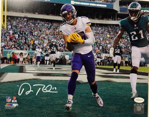 Adam Thielen Autographed Touchdown Vs Eagles 11x14 Photo