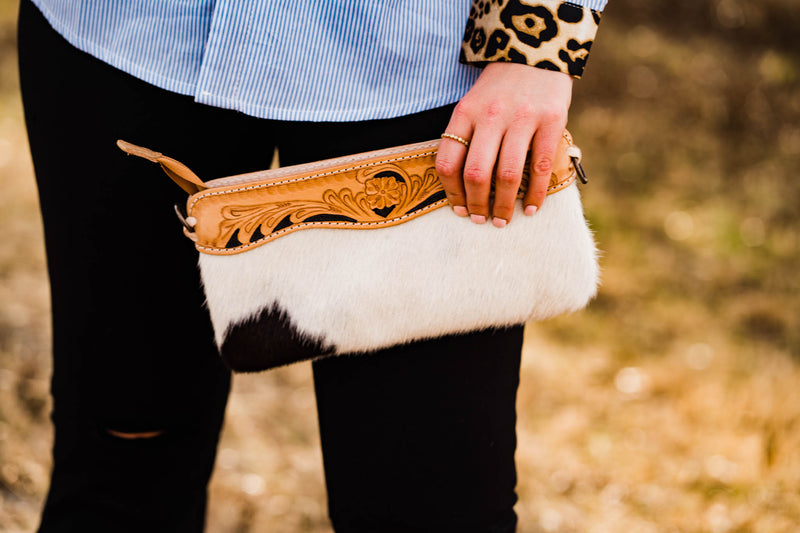 PUNCHY HANDLE PURSE (BLACK/WHITE)