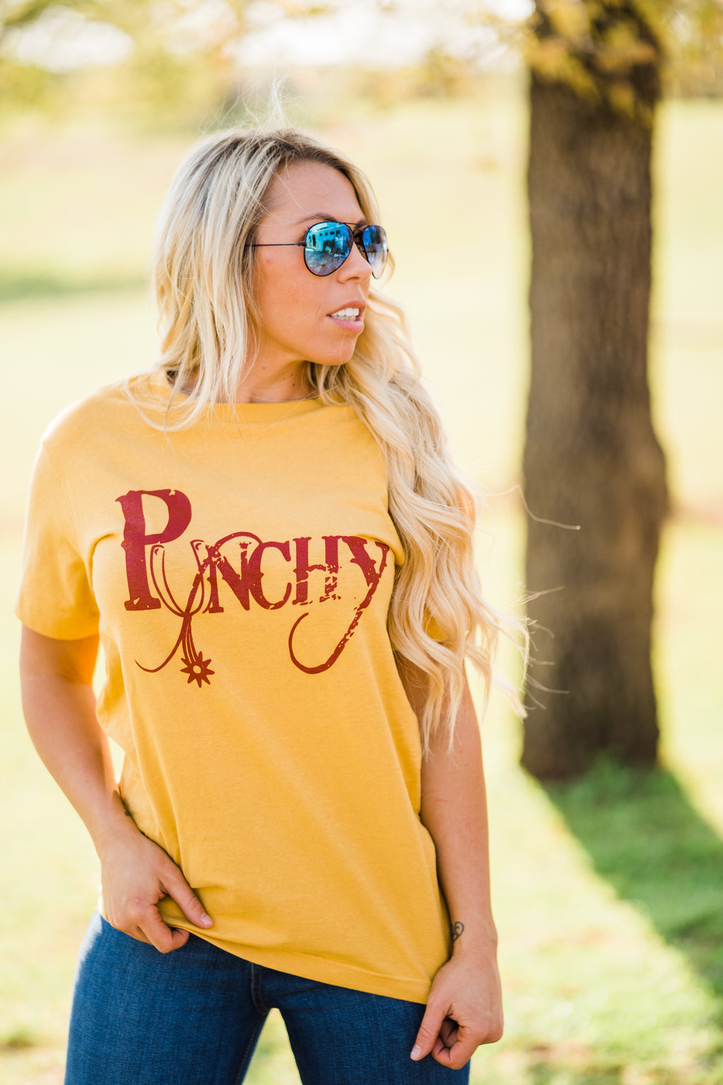 PUNCHY GRAPHIC TEE