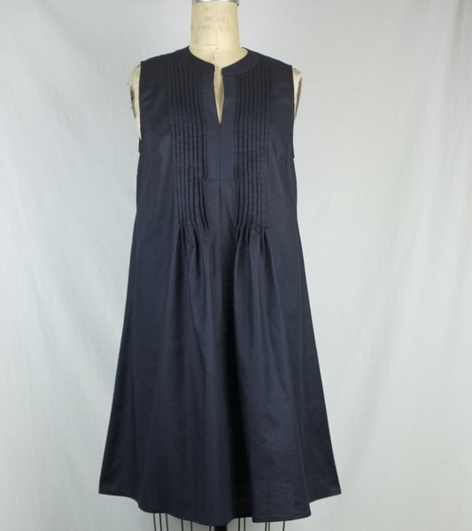SLEEVELESS PLEATED DRESS  <br/> Feather Weight Twill Navy