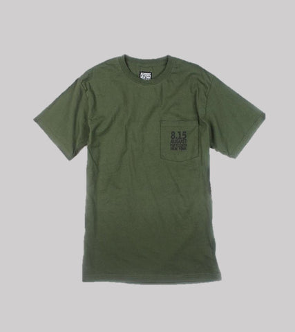 LOGO POCKET T  <br/> Olive Drab