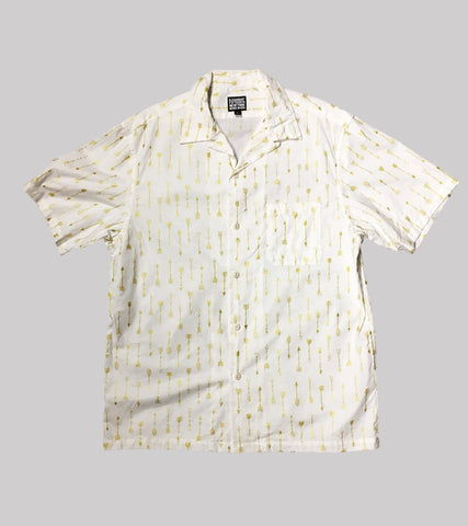 CAMP COLLAR SHORT-SLEEVE SHIRT <br/>  White / Gold Arrows