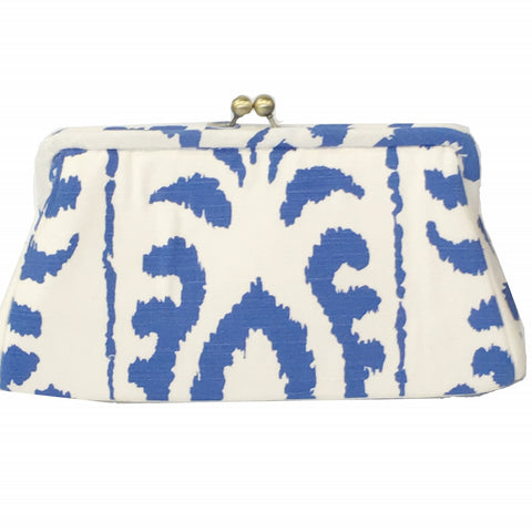Madagascar in Blue Clutch
