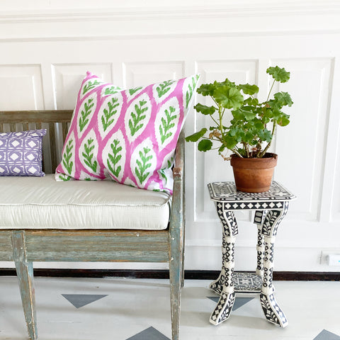 Dana Gibson Louvre Ikat Square in Pink