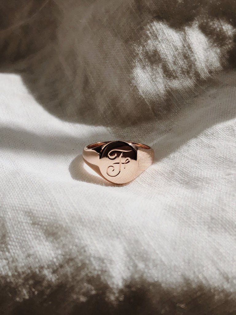 RUUSK Rose Gold small signet with Hand engraving