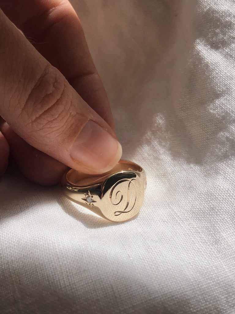 RUUSK Classic Signet Ring with engraving