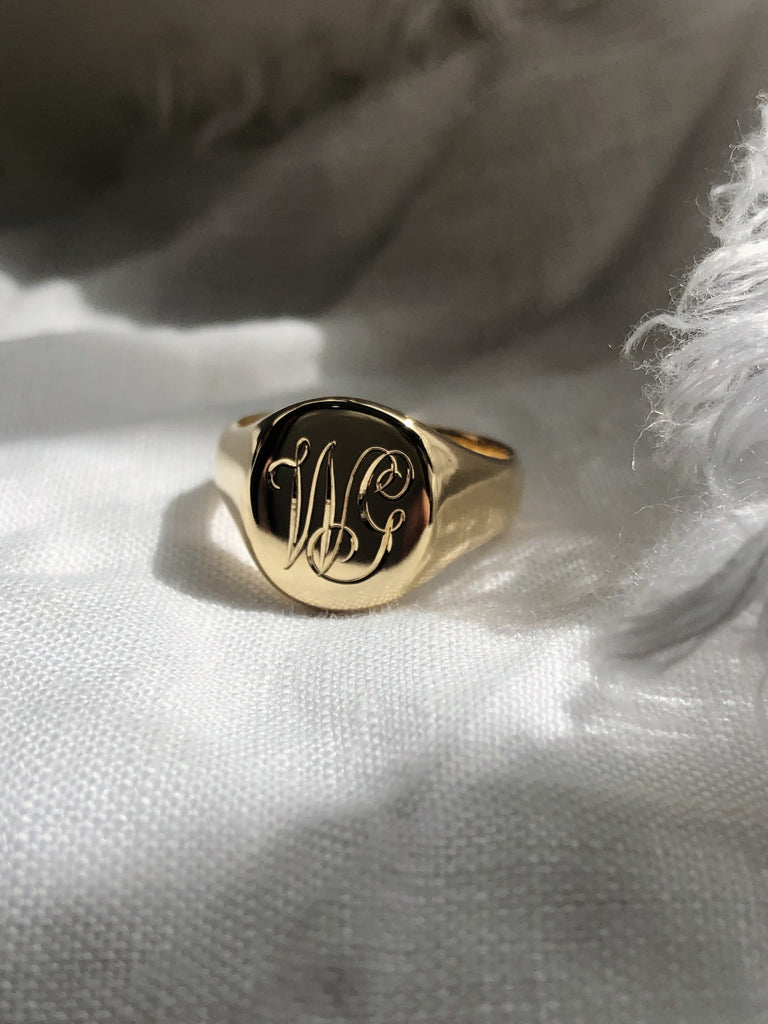 RUUSK Hand engraved Classic Gold Signet ring
