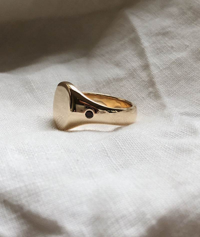 Classic Yellow or Rose Gold Signet ring