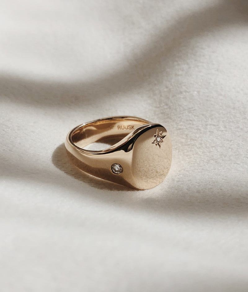 Moon & Star Classic Signet ring
