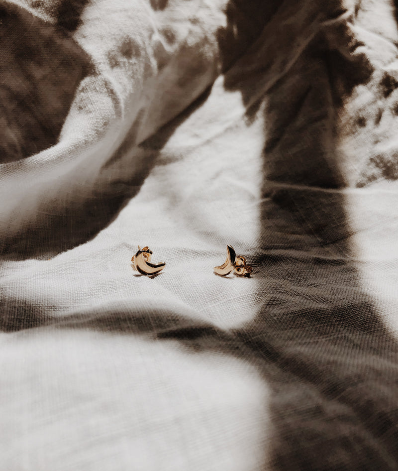 Yellow Gold Crescent Moon Stud earrings