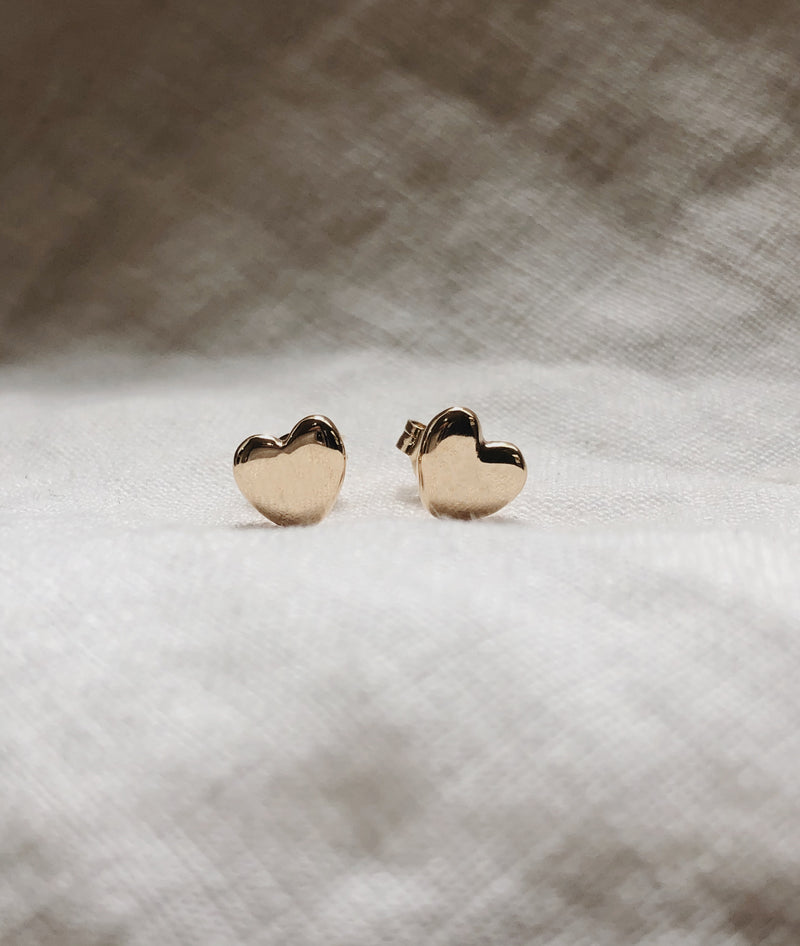 Yellow Gold Plain Heart Stud earrings