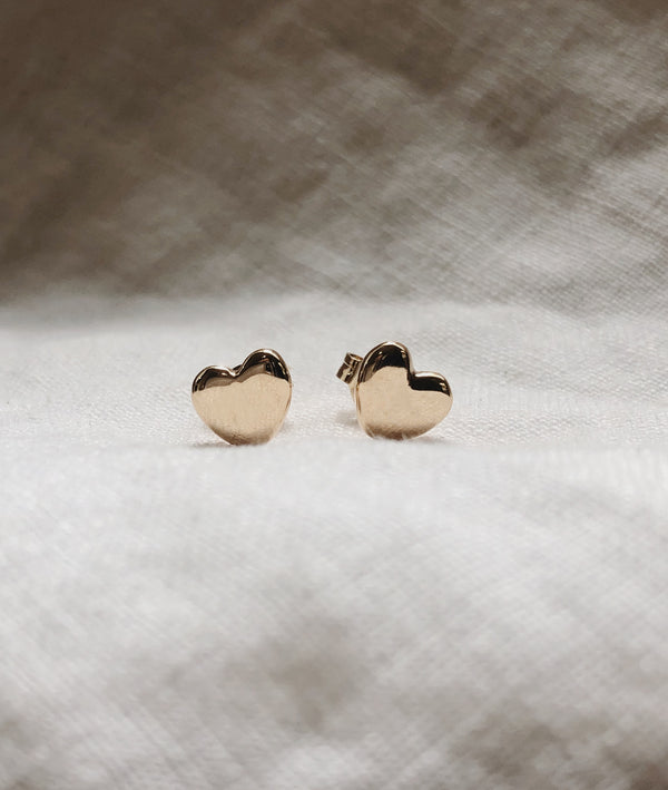 Plain Heart Stud earrings