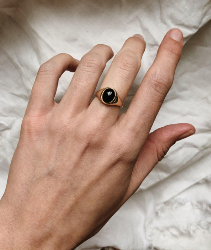 Onyx Small Signet ring