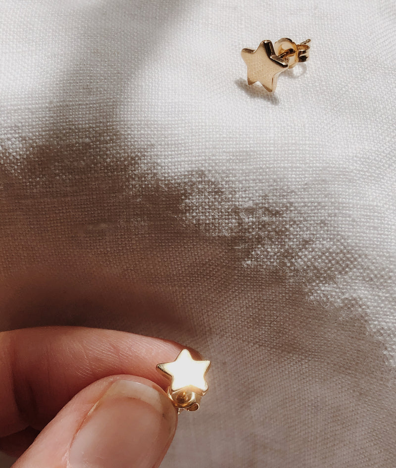 Yellow Gold Dancing Star Stud earrings