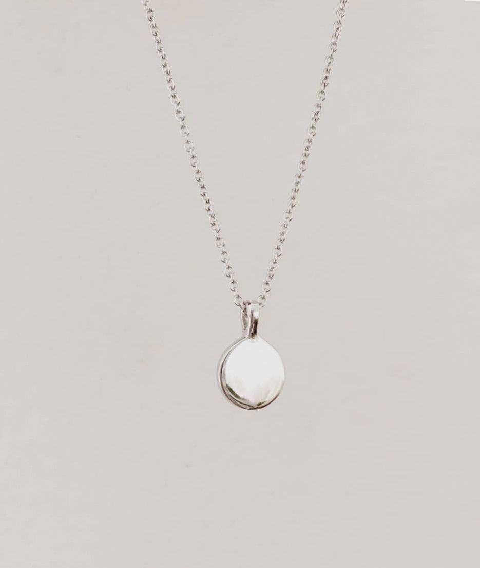 Round Pendant necklace