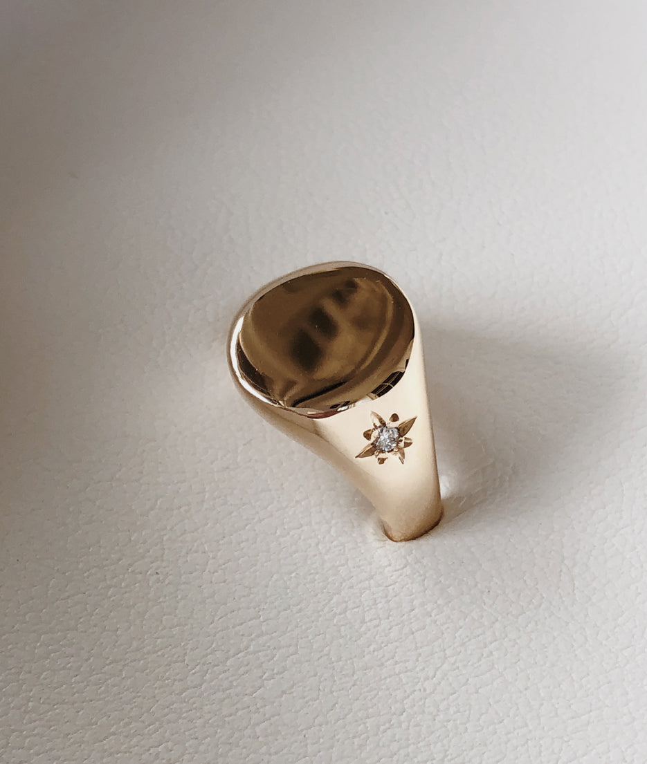 Small Signet ring with side star-set Diamond