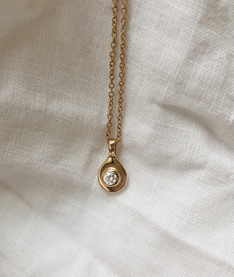 Yellow Gold Diamond Sol necklace