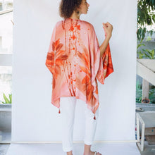 Load image into Gallery viewer, SANDILOU Artisan Hand Painted Kimono Cover