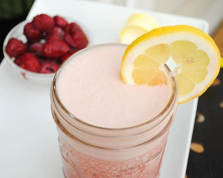 Raspberry Lemonade Pre-Workout Iced Tea