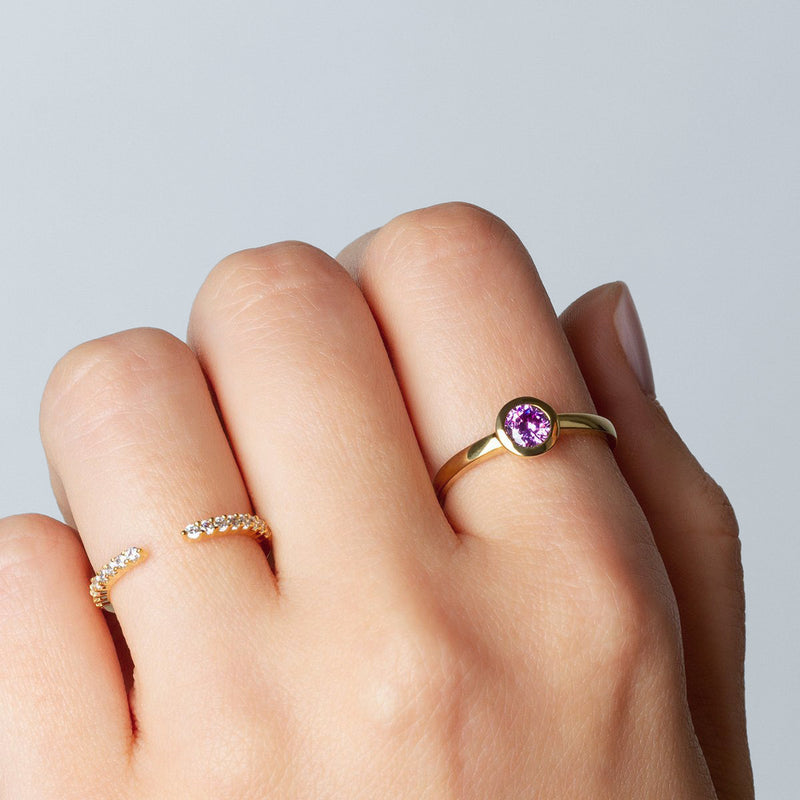 Iconic Ring Gold Zirconia Purple