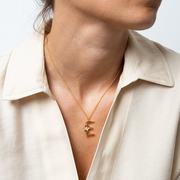 Identity Letter E Necklace Gold