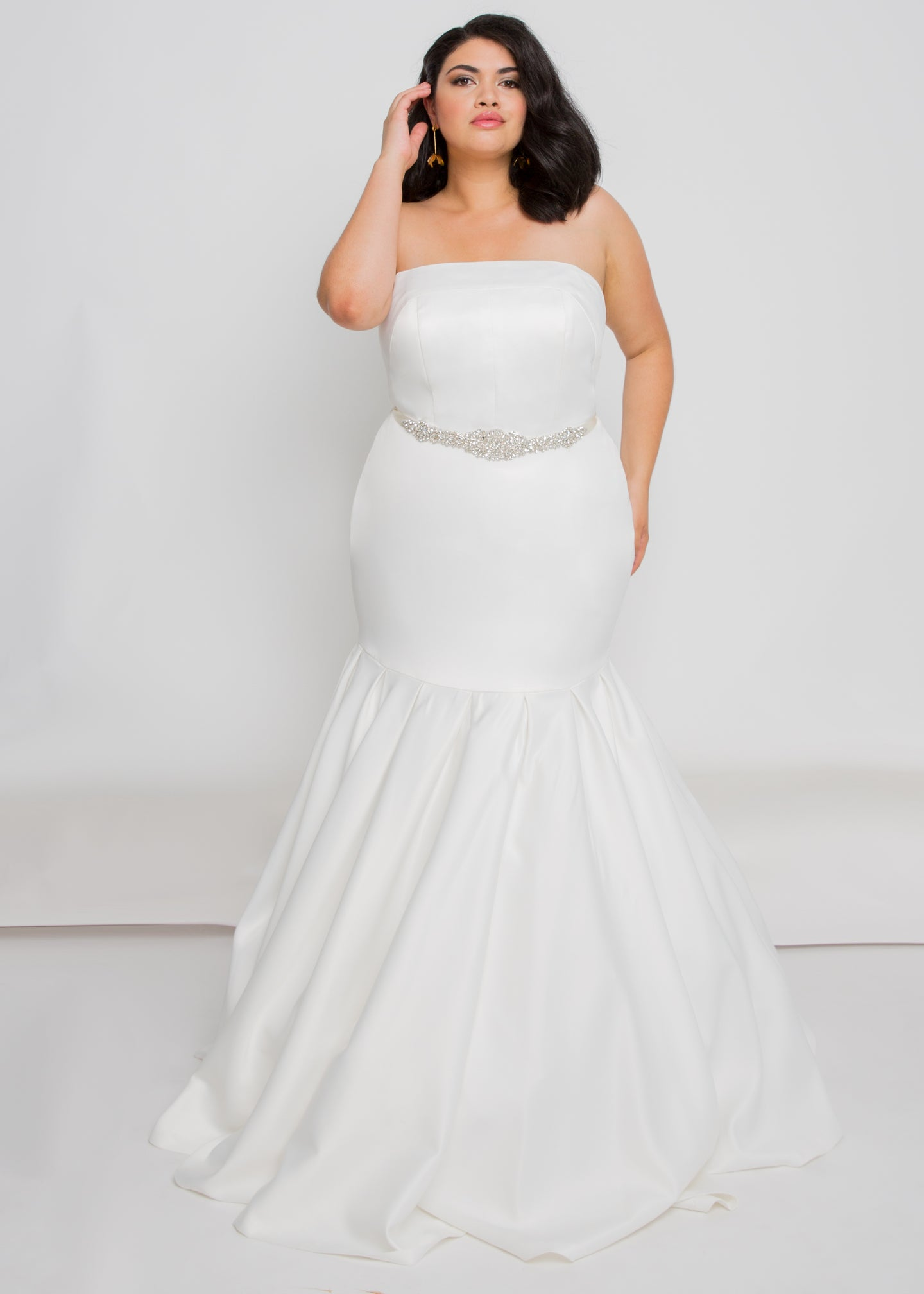Gorgeous bridal gowns for all body shapes: plus size, curvy, or petite brides. Try on our wedding dresses at home. Size 0-30. Comfortable. Convenient. Fun. Lace or satin. Mermaid or A-line. We love this top for its straight neckline that gives us such cool and modern vibes. This sleek skirt is the perfect balance between elegant satin and figure-flattering crepe that you have been looking for.
