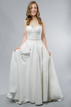 Load image into Gallery viewer, Grace Gown - Sample