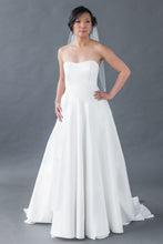 Load image into Gallery viewer, Madison Gown - Sample