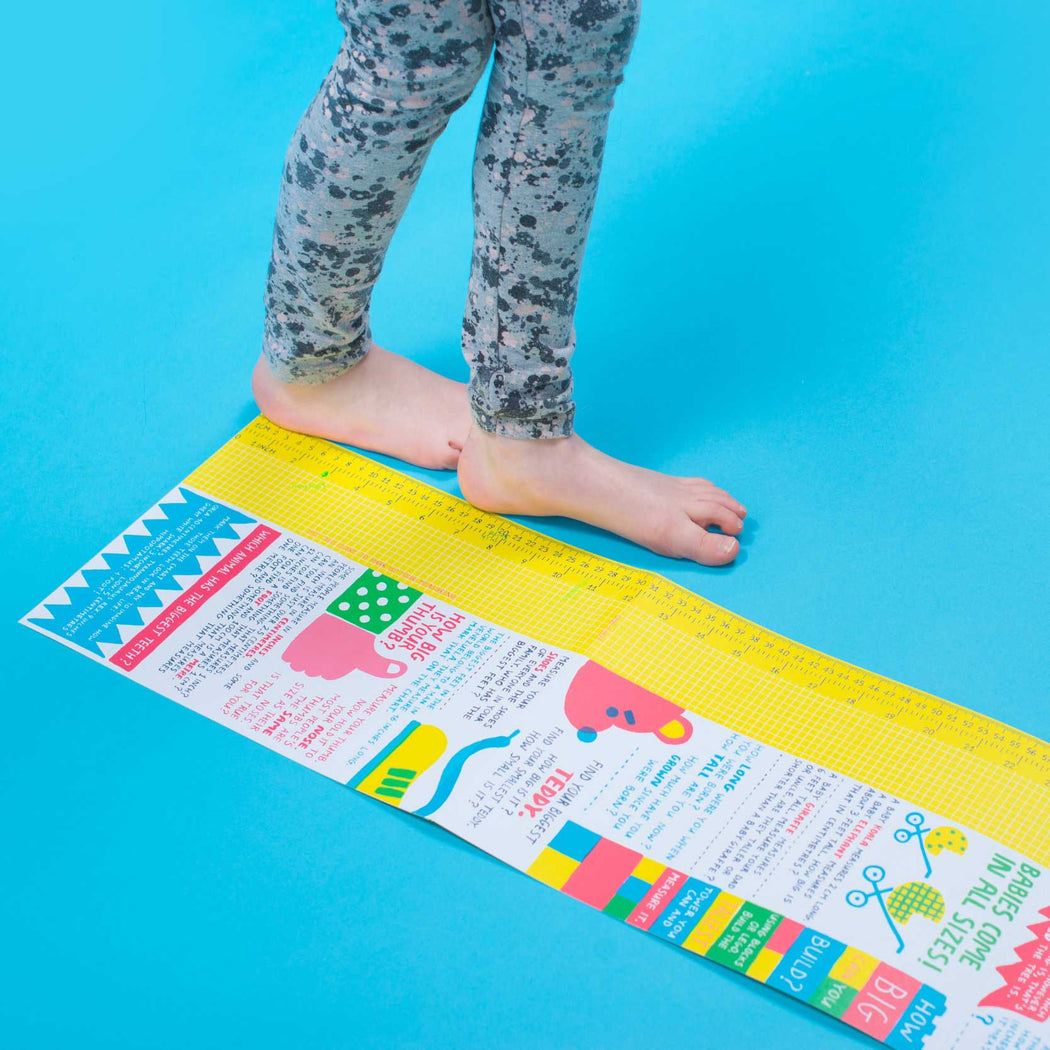 Bigger: A Fold Out Measuring Book