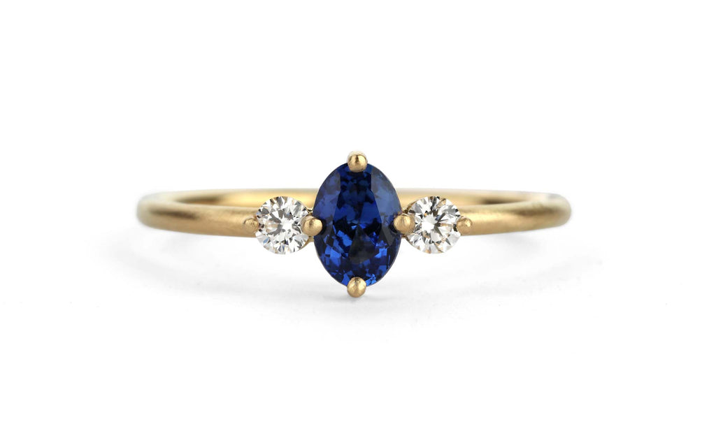 Oval Trio Ring - blue sapphire