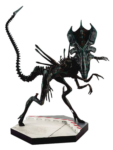 "Alien and Predator Figure Collection – Special  #4 – Alien Xenomorph Queen 9"" Collectible Figure"