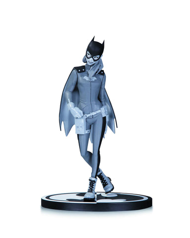 Batman: Black and White Statue – Batgirl by Babs Tarr