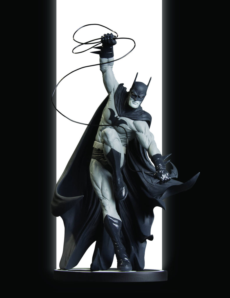 Batman: Black and White Statue – Batman by Tony Daniel