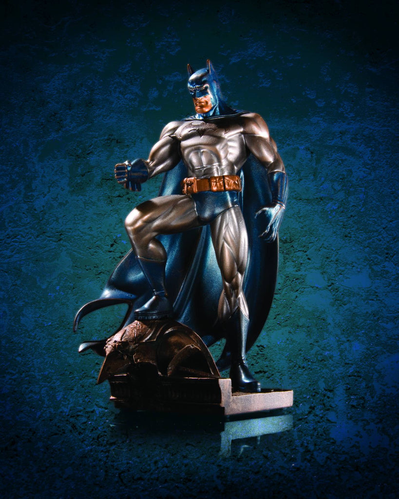 Batman Mini-Statue (Variant Patina Finish)