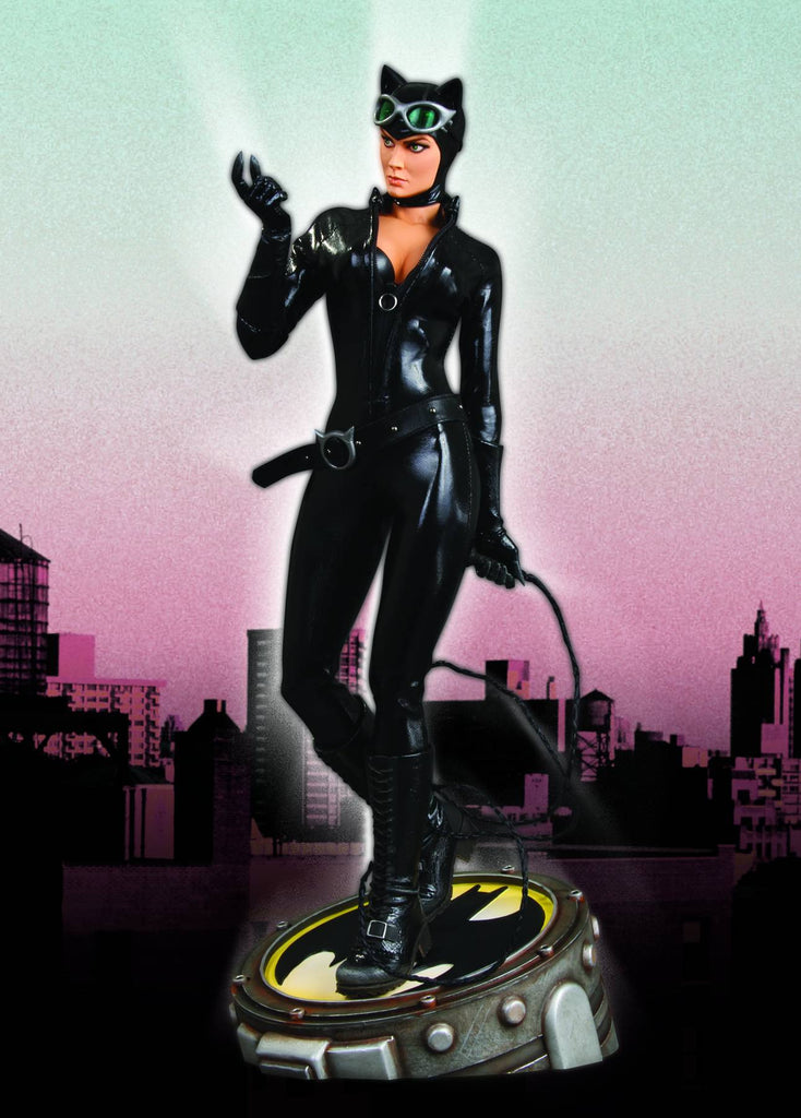 Catwoman 1:4 Museum Quality Statue