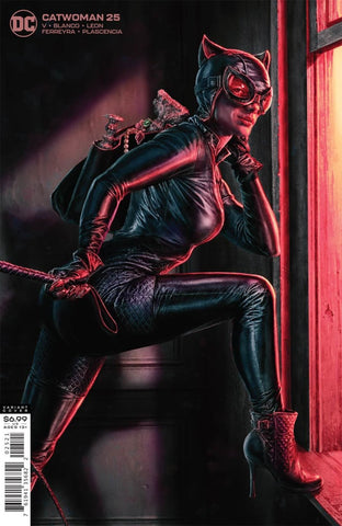 Catwoman (2018 Series) #25 (Variant Card Stock Cover - Lee Bermejo)