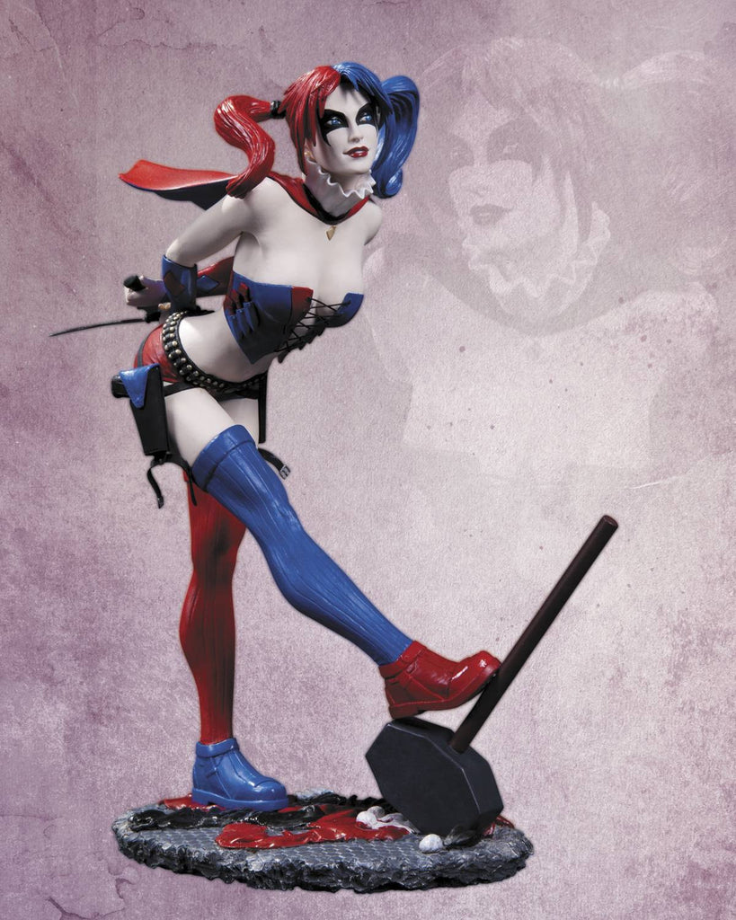 DC Comics Cover Girls – Harley Quinn Full-Size Statue