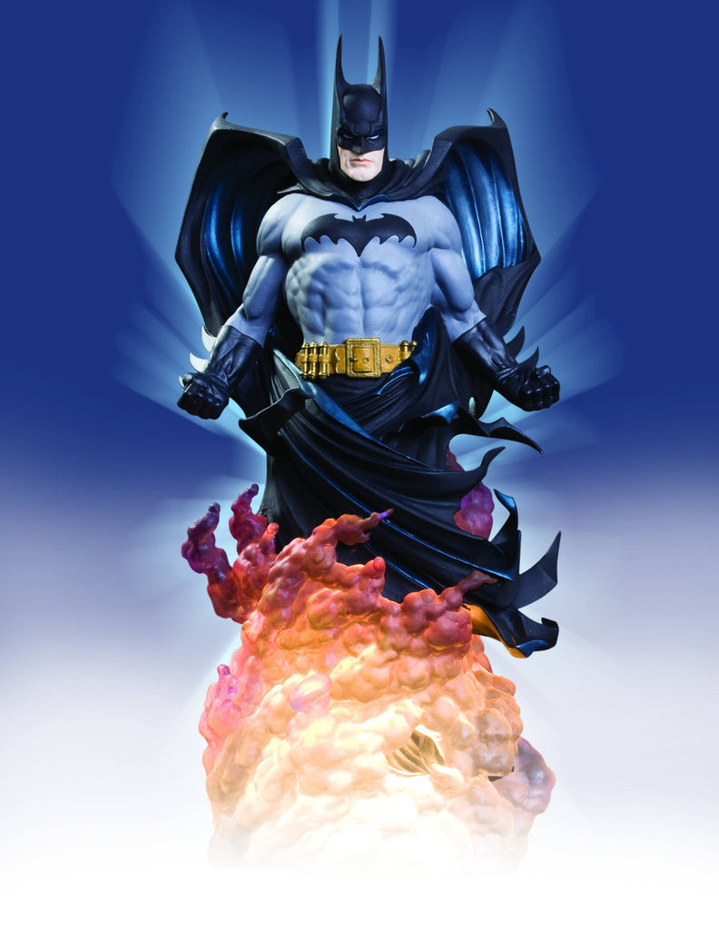 DC Dynamics – Batman in Smoke Full-Size Statue