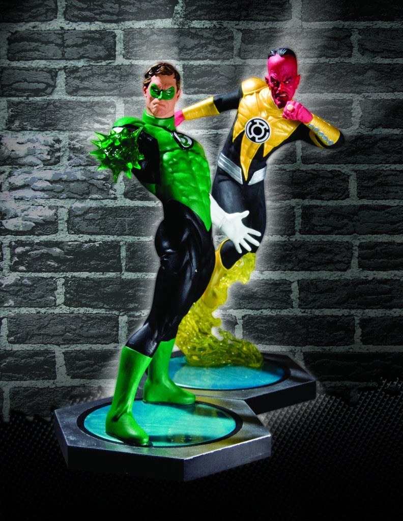 DC Ultimate Showdown – Green Lantern vs. Sinestro Statue Set