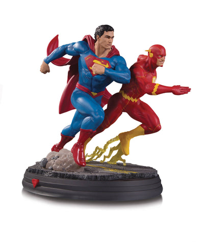 "DC Gallery – Superman vs. The Flash – ""Racing"" – Full-Size Statue"
